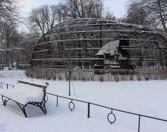 Авиарий хищных птиц. Зима 2016 г. Из архива Калининградского зоопарка.